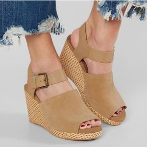 NWT Toms Tropez Honey Suede Leather tan sandal 11